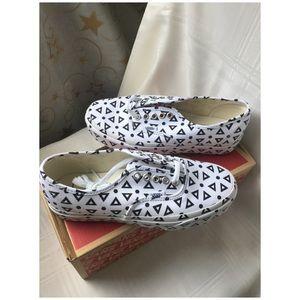 69f643f779256e Vans Shoes - Vans Authentic Mono Print (Geo) 59